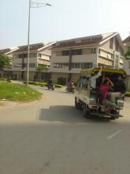古いタイプのバス