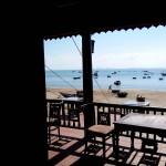 海を望むレストラン