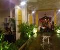 店内には池もあり、ベトナムの古都に来たような雰囲気です。