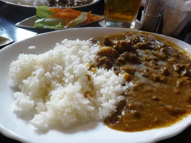本格的なカレーライスです。ご飯が日本のお米を使用。