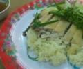 ご飯はチッキンの出汁で炊くので香ばしくて美味しいです。