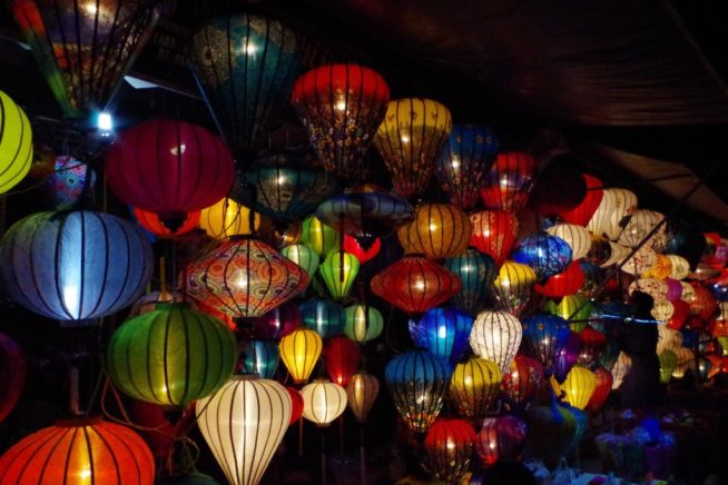 【2019年、2020年の日程更新】ホイアンのランタン祭りと灯篭流しの幻想的な夜を楽しもう