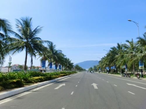 海岸沿いのハイウェイ