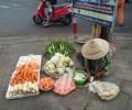 [2013/4/9]路上の野菜売り
