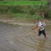[2013/5/9]ベトナムで魚をつかまえる
