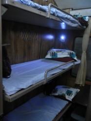 ハードベッド客室