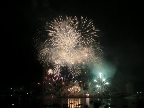 日本チームの花火
