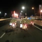 [2013/5/2]ドリアンを運ぶ男たち