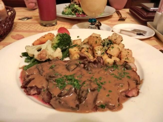 フランス風ステーキです。