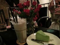 magonnスムージーとケーキ