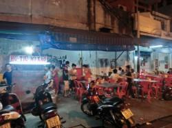 路上食堂の調理場