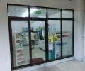 [2013/7/19]ファミリーマート、1店舗になり仮店舗営業中