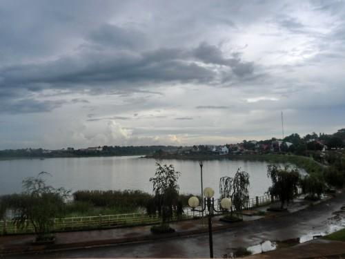 ダクミルの湖