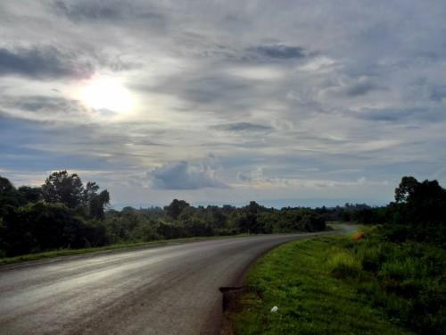 ラオスの道を往く