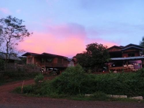 夕焼けの集落