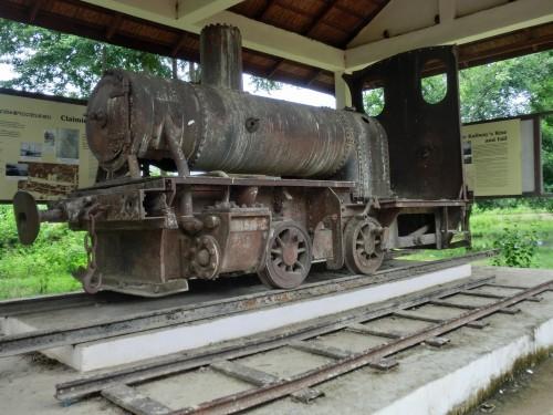 コーン島に残る蒸気機関車