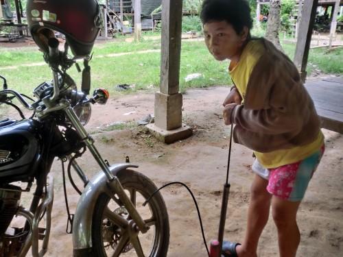 バイクに空気を入れるガイド
