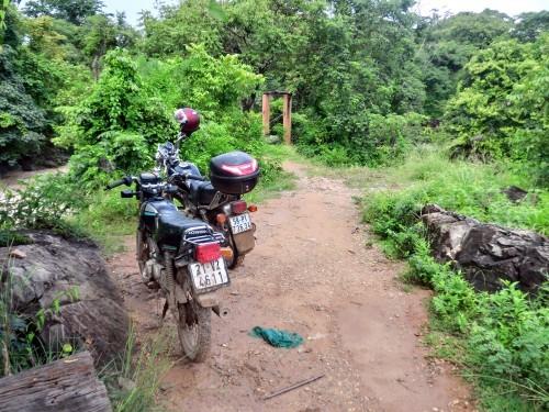 ベトナムナンバーのバイクと遭遇