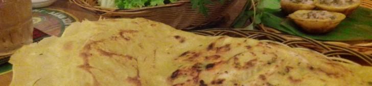 ベトナム風お好み焼き!?ベトナム名物料理の「バインセオ」を食べよう