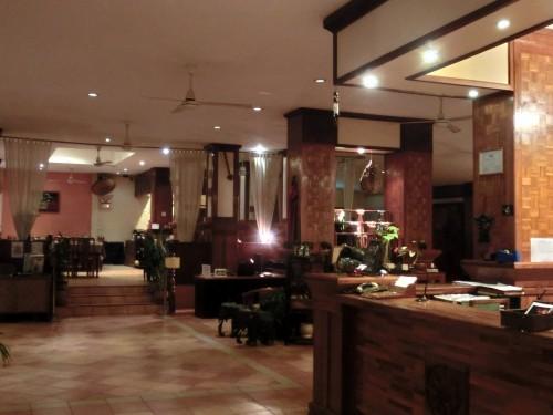 かなり立派なホテルです。