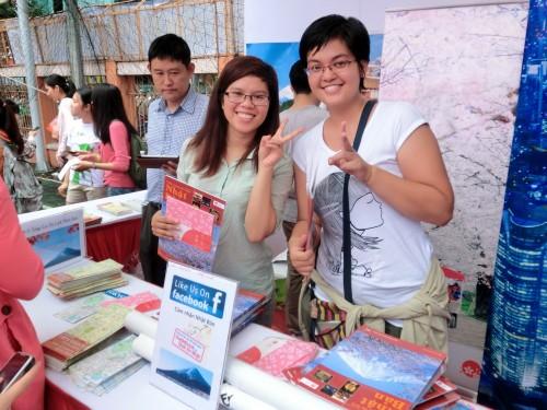 日本観光パンフレットの配布