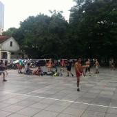 ベトナムの伝統的スポーツ「ダーカウ」をやってみよう。