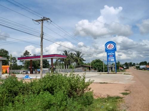 やっと辿り着いた普通のガソリンスタンド
