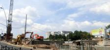 ホーチミン市内で数多く行われている道路改良工事
