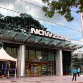 ナウゾーン(NOWZONE Fashion Mall)