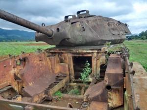 朽ち果てた戦車