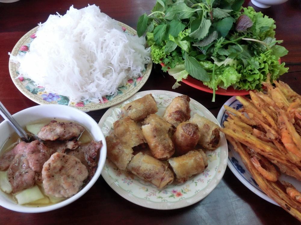 とっても美味しいベトナムのつけ麺「ブンチャー」を食べてみよう