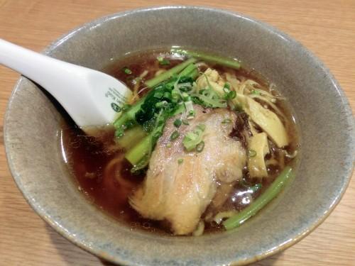 喜神の醤油ラーメン(Sサイズ)