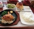 12月21日、肉汁あふれるハンバーグ店「ぎゅう丸」がホーチミンの路地裏にオープン。