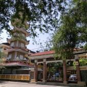 サーロイ寺(Chùa Phật Học Xá Lợi)
