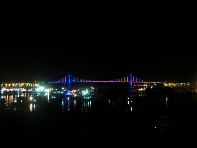 トゥアンフォック橋全景