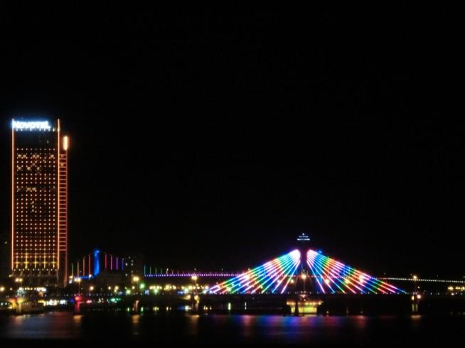 夜のソンハン橋