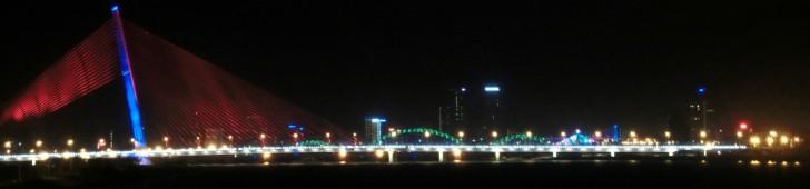 ダナンの名物となった5つの橋を一挙ご紹介!ギネス登録のドラゴンブリッジは火を噴く!?