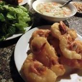 バイントムホータイ(Bánh Tôm Hồ Tây)