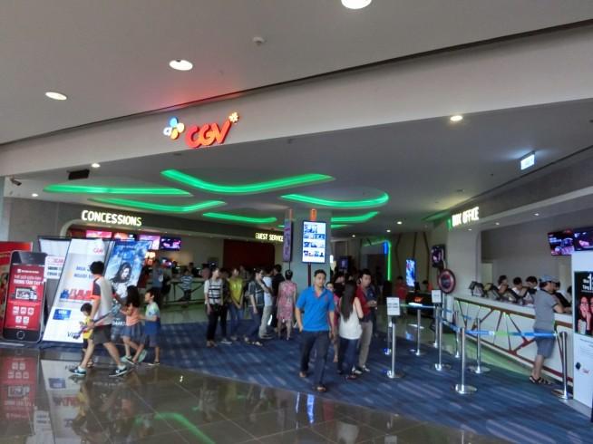 モール内の映画館