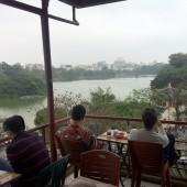 ハノイ・ホアンキエム湖のカフェ「Phố Cổ」(フォー・コー)
