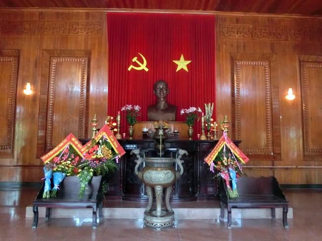 資料館にある大きな銅像