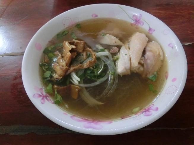Son Ngaのミエンガー(鶏肉麺)