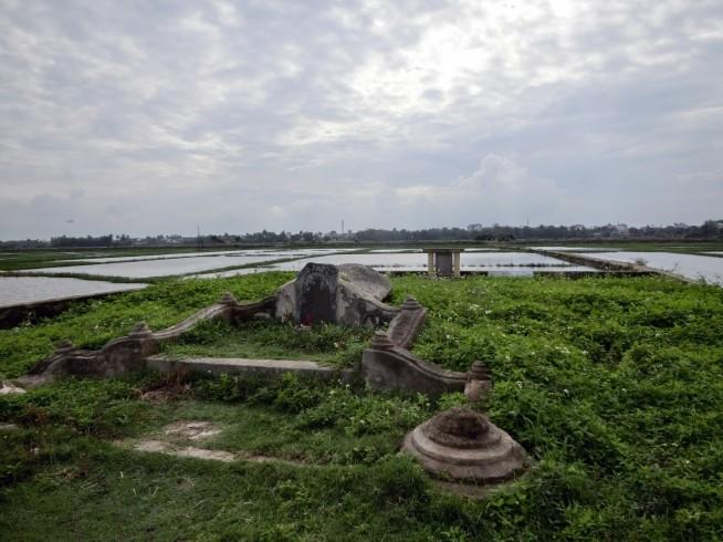 谷弥次郎兵衛の墓