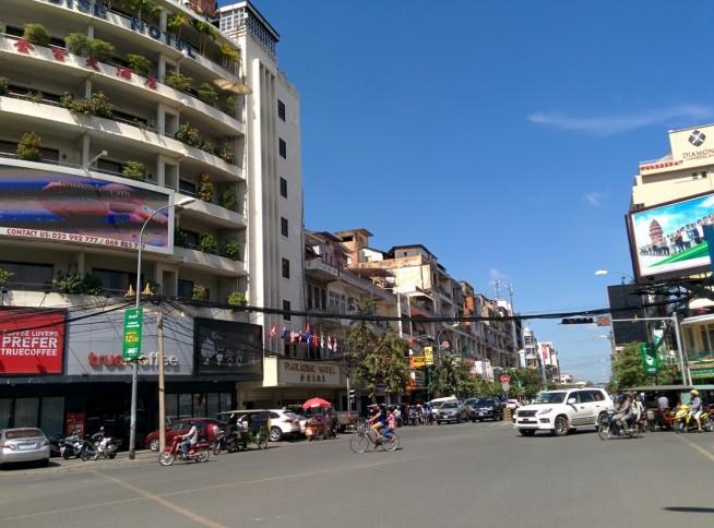 プノンペンの市街地