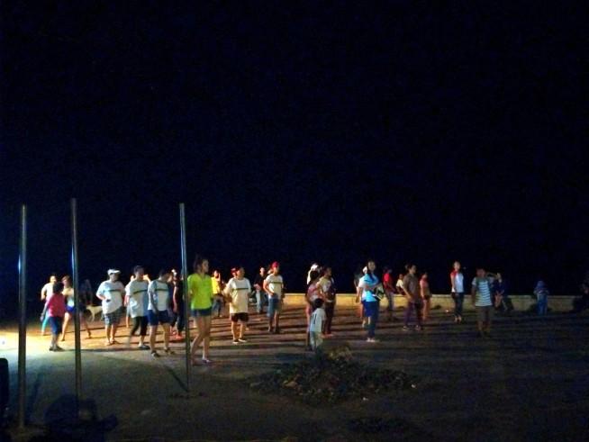 リバーサードで踊る人たち