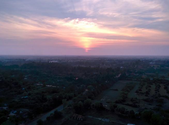 アンコール・バルーンからの夕日