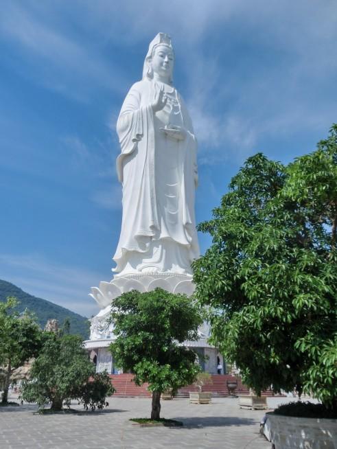 ベトナム最大の観音像