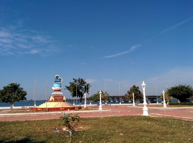 海沿いの街ココン
