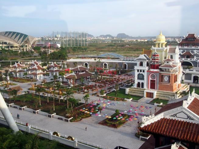 アジアパークを見下ろす