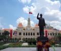 ホーチミンさんの誕生日の5月19日に合わせて誕生した高さ7.2mのホーチミン像